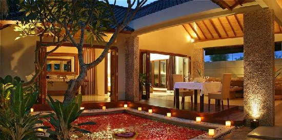 Grand Akhyati Villas and Spa: The evening romantic dinner setting pic