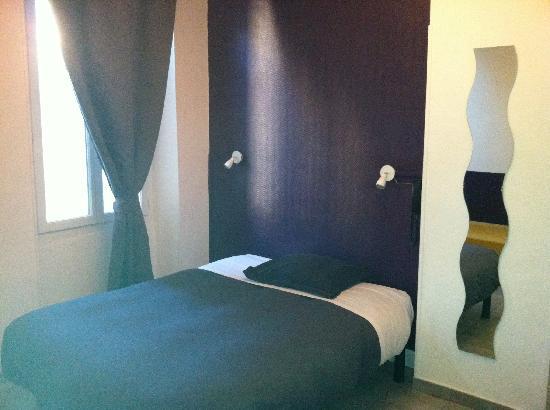 Hôtel Lutia : exemple de chambre