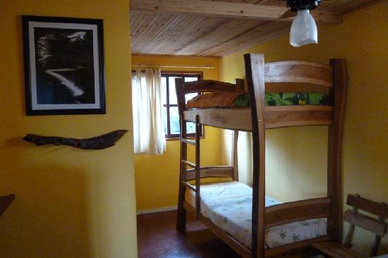 Pousada Tatu Feliz: Room