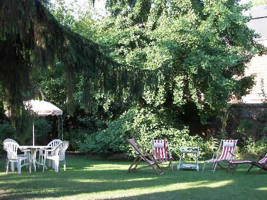 Le Clos Mimaut: Le jardin