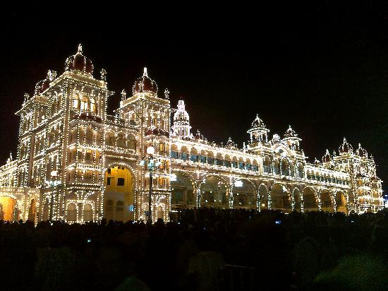 Palacio del Majarajá de Mysore: After lighting
