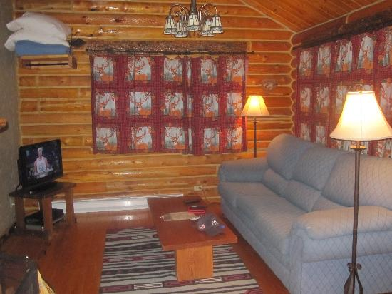 Bar-N-Ranch: Cream Creek Living Room