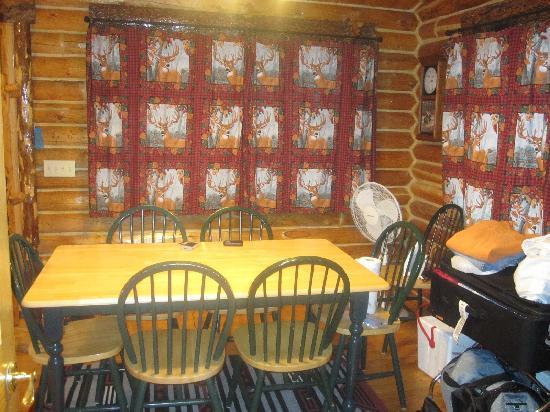 Bar-N-Ranch: Cream Creek Dining Area