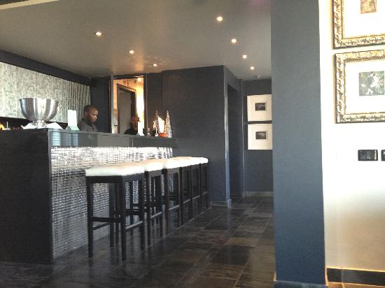 O on Kloof Boutique Hotel & Spa: The bar