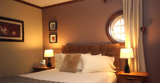 Inn on Putney Road Bed and Breakfast : Hummingbird Room with private entrance