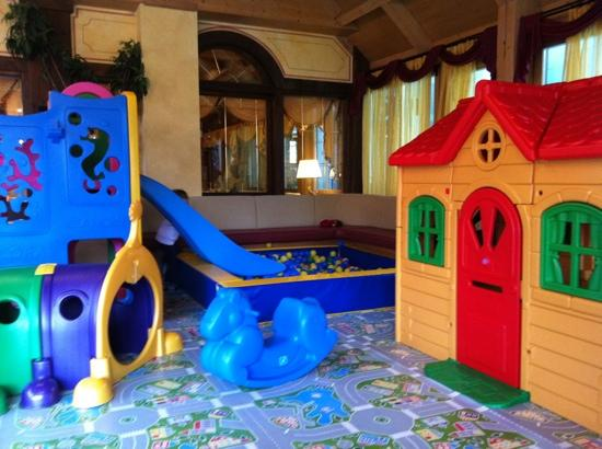 Hotel Piz Galin : la sala giochi