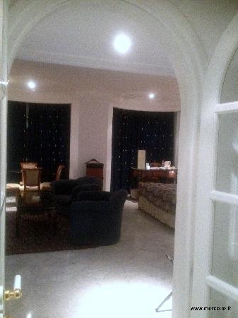 Hotel La Maison-Blanche : côté salon