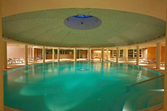 Hotel Caesius Thermae & Spa Resort : la piscina interna