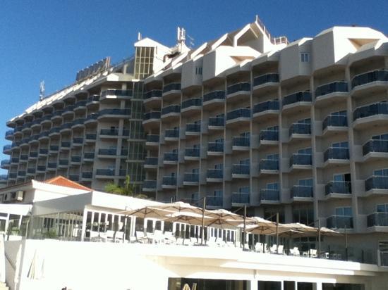 HOVIMA Costa Adeje : hotel from lower, heart pool area.