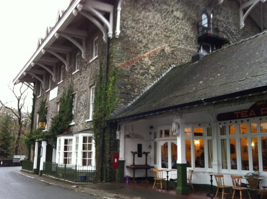 The Hafod Hotel: outside of pub