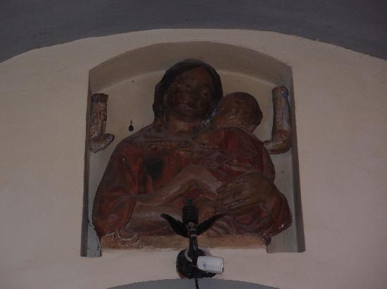 Palazzo Ravizza: WALL ART