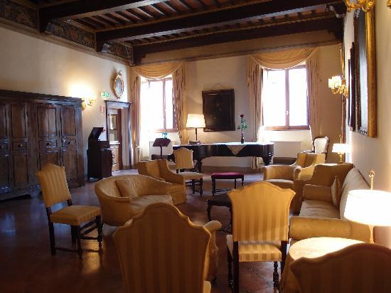 Palazzo Ravizza: SITTING ROOM