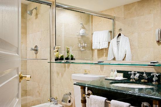 Bentley Hotel South Beach: Bathroom
