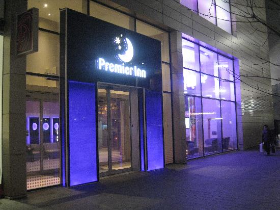 Closest Hotel To Manchester Airport Terminal