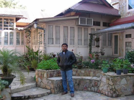 Aerodene Cottage: Aerodene facade