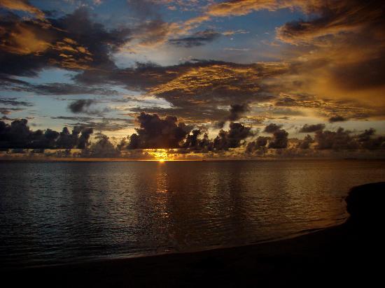 Embudu Village: Un des fabuleux coucher de soleil
