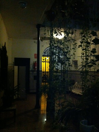 Pension Torregrosa: entrance at night