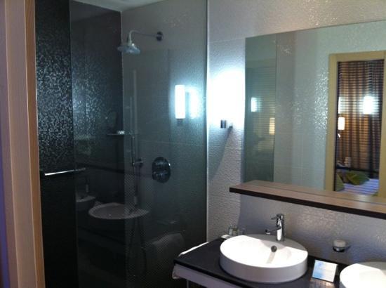 Le Spa des Thermes: salle de bain