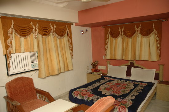 Photo of Decent Hotel Surat