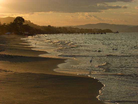 Hotel Maratea Mare : Sunset walk on the beach