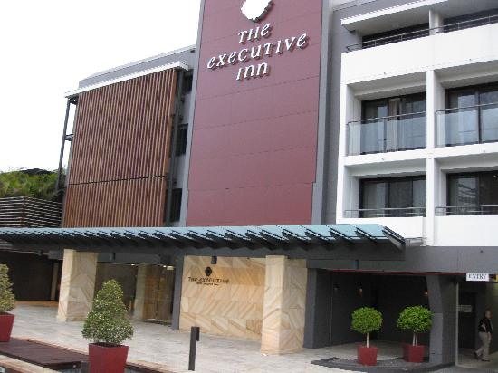 The Executive Inn: Exterior