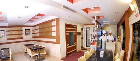 Hotel Naveen Regency