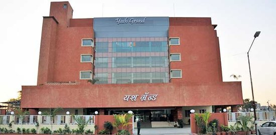 Hotel Yash Grand