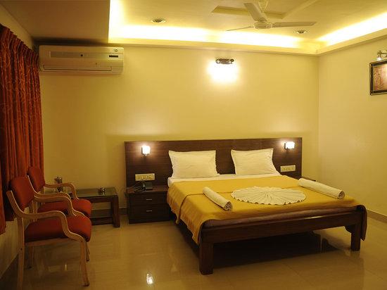 Hotel Saish International