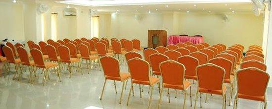 Paray Village County Hotel : Sneha Regency