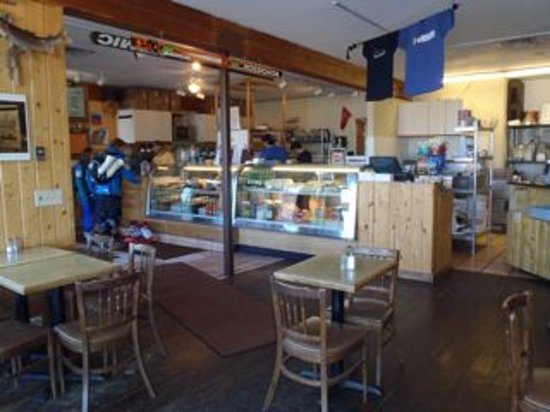 Backcountry Delicatessen: Great place to eat