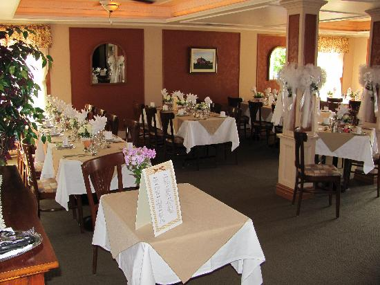 Auberge lac du Pin rouge: salle a manger