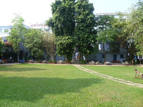 Diggi Palace: Gardens