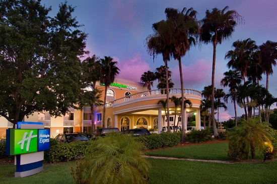 Holiday Inn Express Miami Airport Doral: The Holiday Inn Express Airport Doral Area