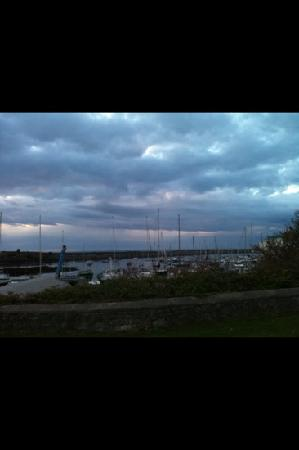 The Boathouse Hotel : room with a view and lovely sound of the boats