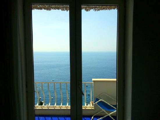 Pensione Casa Guadagno: hotel room balcony view from inside