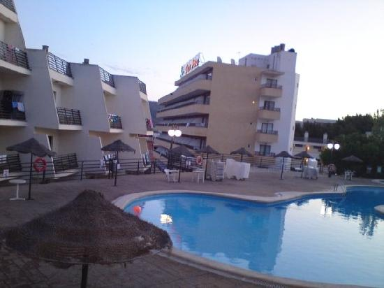 TRH Magaluf: Half of the view from our balcony