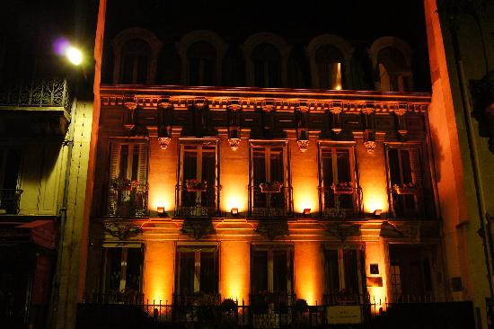 Hotel de Latour Maubourg: Hotel at Night