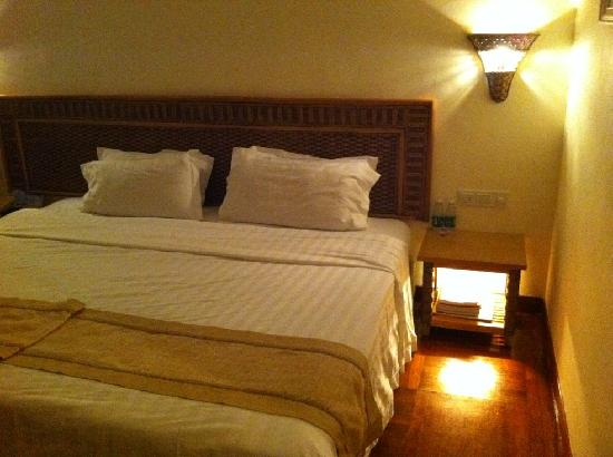 South China Hotel: large bed