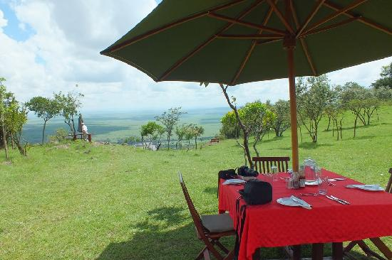 Mara Siria Camp: Lunch with a view