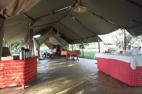 Mara Siria Camp: Main tent