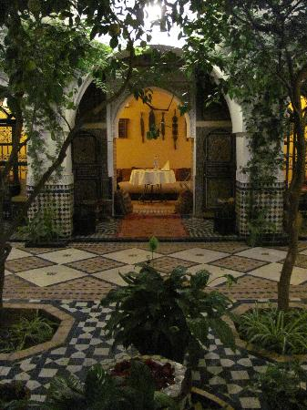 Ryad El Borj: courtyard