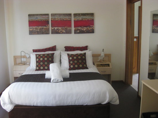 Kangerong Holiday Park: Inside the spa suite