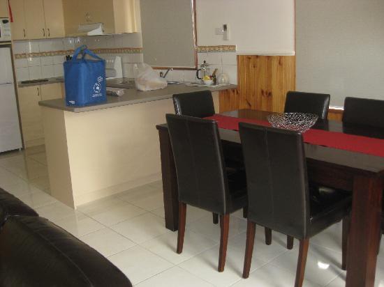 Kangerong Holiday Park: lounge room