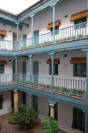 Hospes Las Casas del Rey de Baeza Sevilla: Courtyard view of Hospes Casas del Rey de Baeza