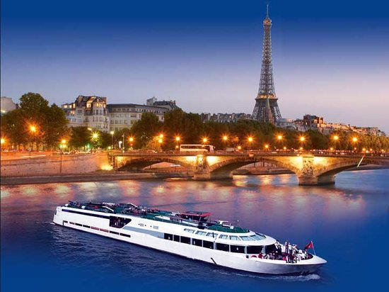 Le VIP Paris Yacht Hotel: vip-paris-diner-croisiere-dinner-cruises-sortie-couple-boat-tour-seine-paris-romance
