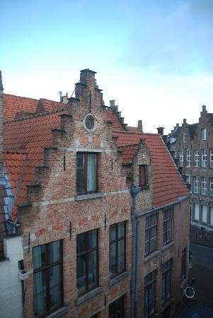 Hotel Cordoeanier: View from bedroom window
