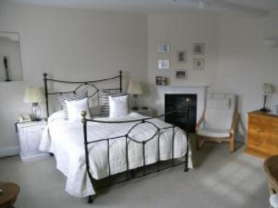 Bodkin House Hotel: Bedroom