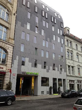 Hotel Gat Point Charlie: Fachada hotel