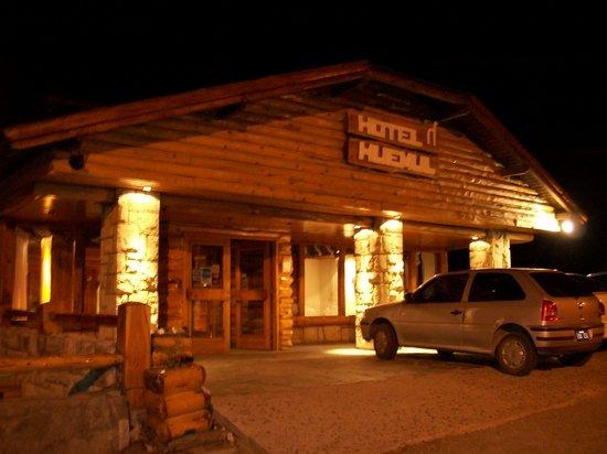 Hotel Huemul: Estacionamiento