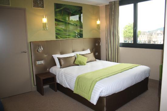 hotel brive chambre zen anis et beige photo de hotel le quercy brive la gaillarde tripadvisor. Black Bedroom Furniture Sets. Home Design Ideas
